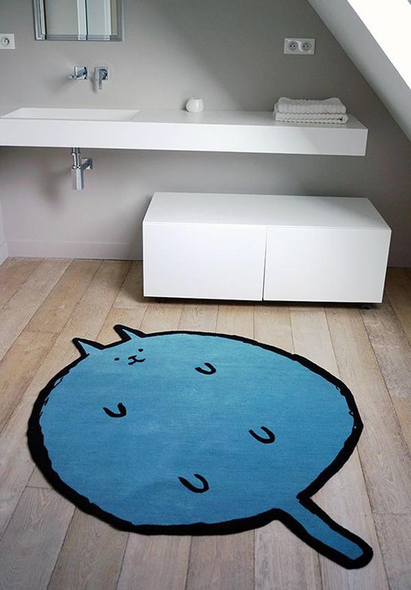 The-big-blue-cat-bath-mat