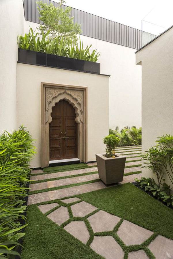 The-front-door-of-modern-Indian-house