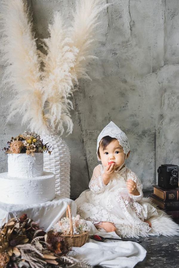 Baby-photoshoot-studio