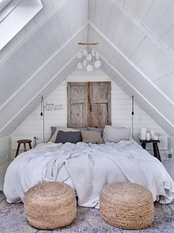 Master-bedroom-with-framehouse-decor