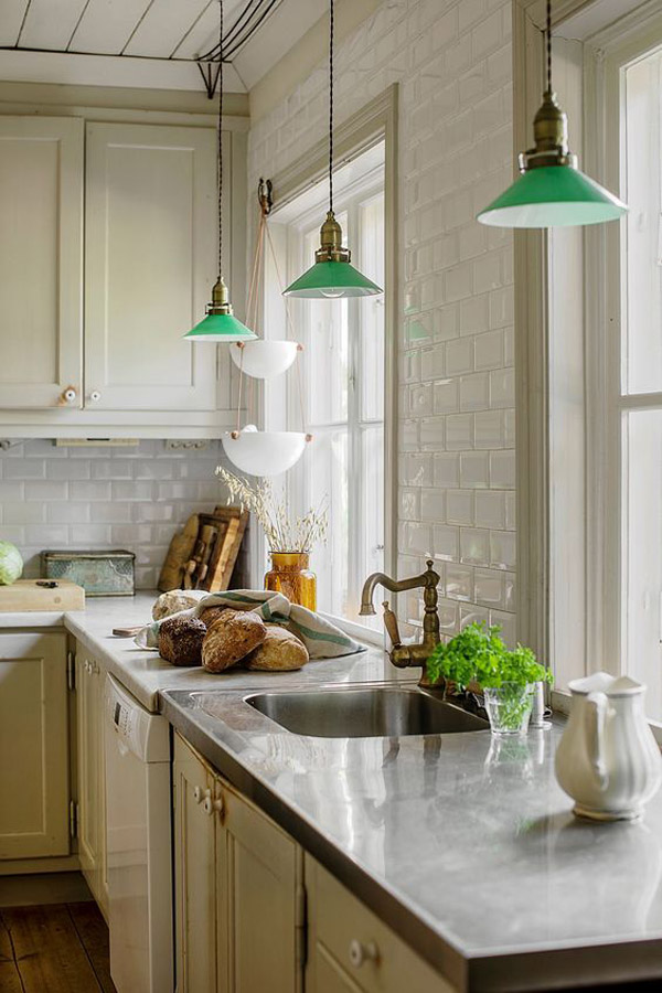The-green-kitchen-hanging-lamps